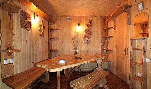 Есть проекты, в которых комната отдыха выступает в роли предбанника.