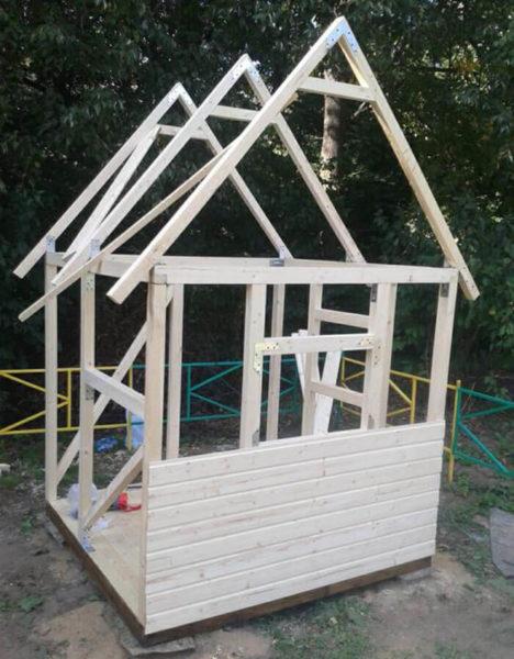 Строительство детского игрового домика