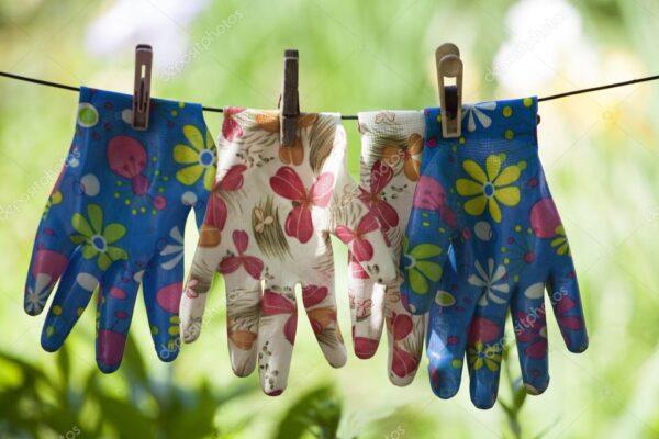 Матерчатые перчатки - необходимая вещь для садовода