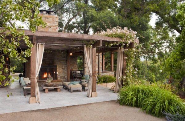 Фото красиво оформленной конструкции для летнего отдыха
