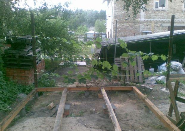Фундамент зоны отдыха на столбиках и сваях