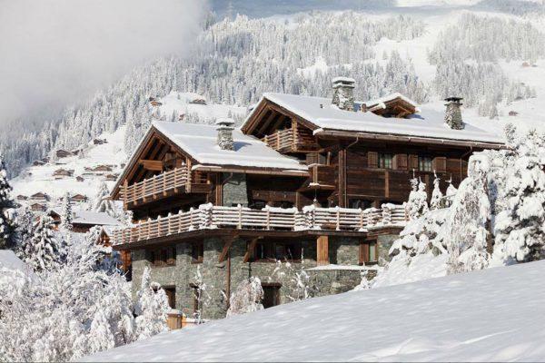 Альпийское шале в коричневых тонах