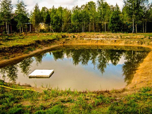Даже не большой водоём может опустошиться по вашей не компетентности в использовании подземных вод