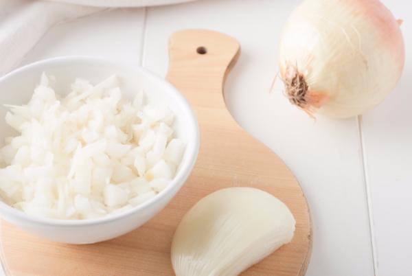 Новый сорт лука не только убережёт вас от слёз, но и удивит своим мягким и сладковатым вкусом