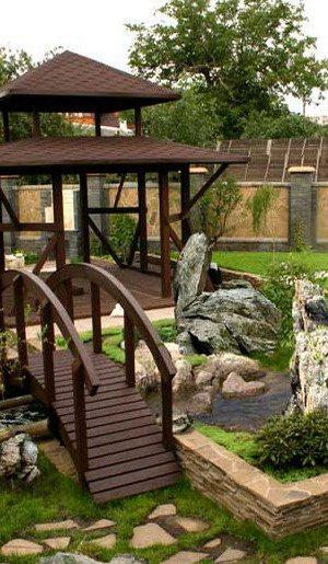 Каменный сад и китайская беседка с изящным мостиком