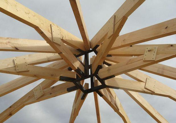 Конструкция свода крыши с выходом для дымохода