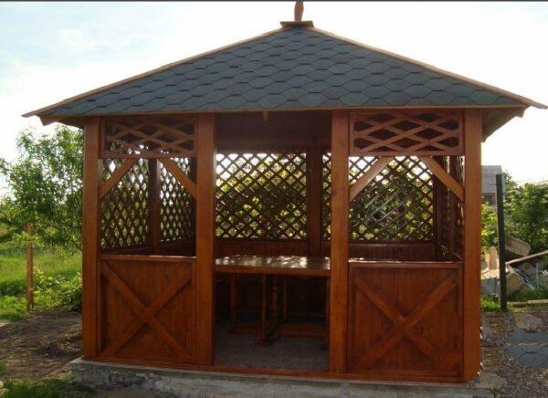 Конструкция с шатровой крышей