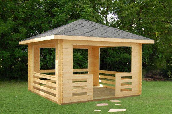 Место для отдыха, сделанное из дерева