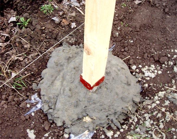 Можно обойтись без опалубки, просто потом засыпать землей цемент