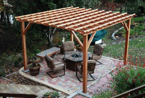 Пергола – интересный и легкий вариант отдыха на воздухе