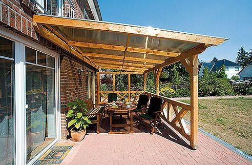 Практичная беседка с крышей из поликарбоната своими руками пристроенная к дому