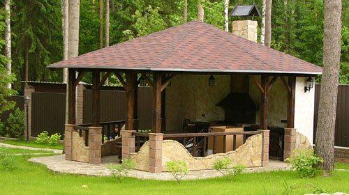 Правильно построенная беседка на дачном участке станет любимым местом отдыха на долгие годы