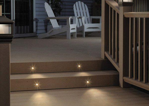 Пример светодиодных ламп, размещённых в ступенях