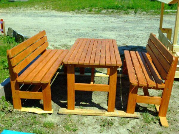 Скамейки и стол из бруса и досок