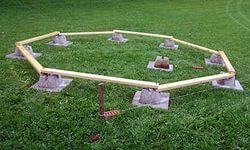 Столбчатый шестигранный фундамент.