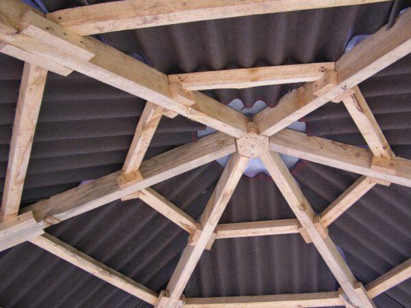 Вид на крышу изнутри.