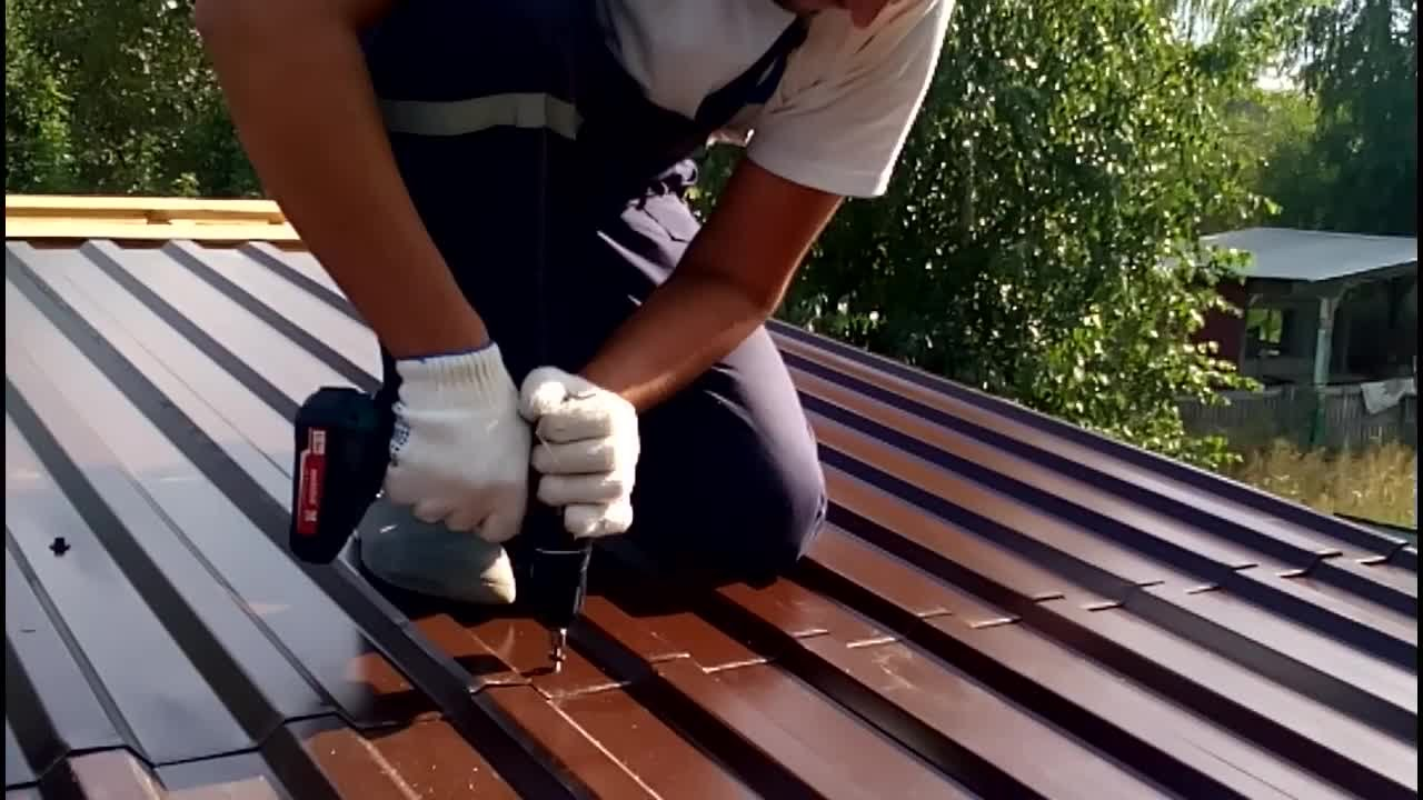 Ремонт железной крыши гаража