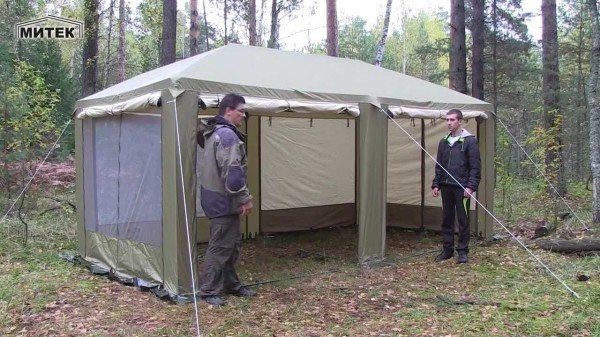 Беседка Пикник от компании Митек способом установки напоминает обычную туристическую палатку.