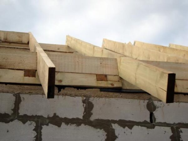Беседка с односкатной крышей