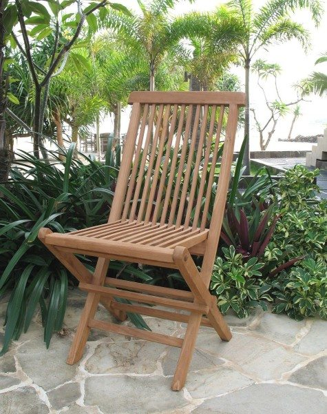 Фото складного садового стула из дерева.