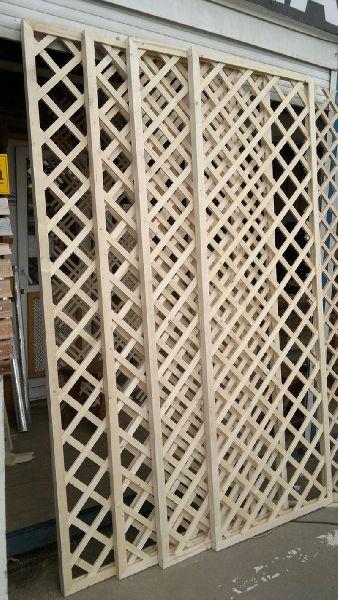 Готовые решетки можно приобрести на строительных рынках.