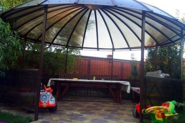 Крыша в виде купола из поликарбоната