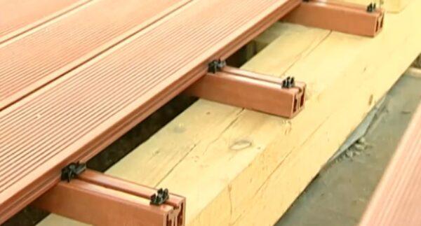 Монтаж покрытия из террасной доски