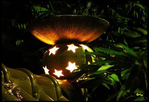 Необычный светильник для беседки