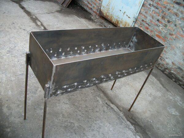 Переносной стальной прибор.