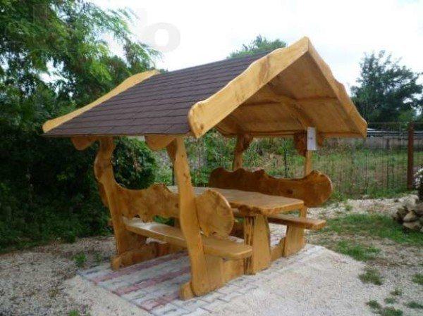Сооружение из массива дерева