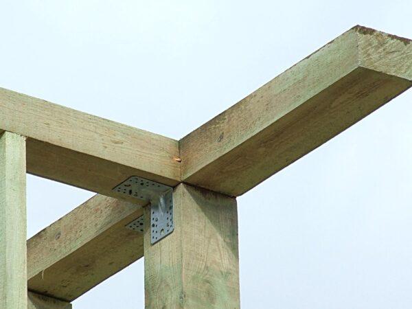 Закрепление брусов верхней обвязки